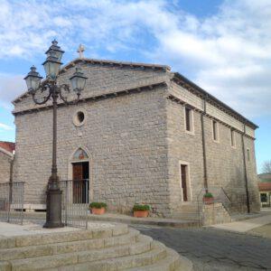 Chiesa parrochiale Sant Antonio Abate facciata granito